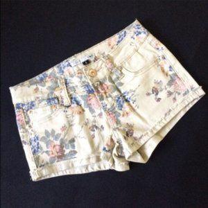 Vintage Floral Denim Shorts YMI Cream Size 0